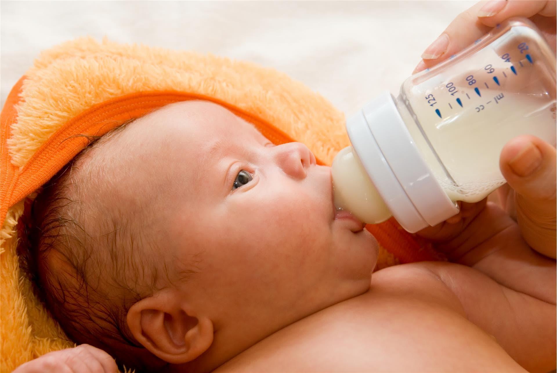 yenidoğan bebeklerde oral beslenme