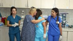 Acil Nöbetinde Kalp Krizi Geçiren Hemşireyi Mesai Arkadaşları Kurtardı